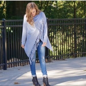 ~HP~ Boutique Fall Asymmetrical Fringe Top S/M